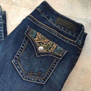 SEVEN7 Embroidered Pocket Bootcut Jeans (12)
